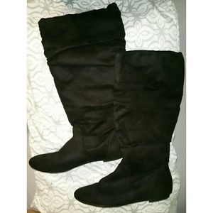 American Eagle boots 6 1/2